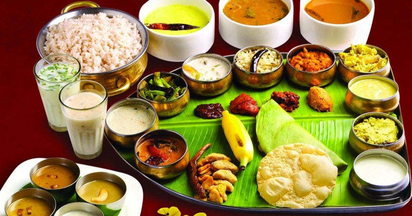Sadhya-Famous-Food-in-Kerala